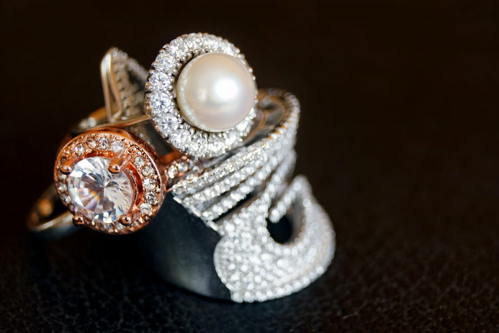 Non-diamond wedding rings